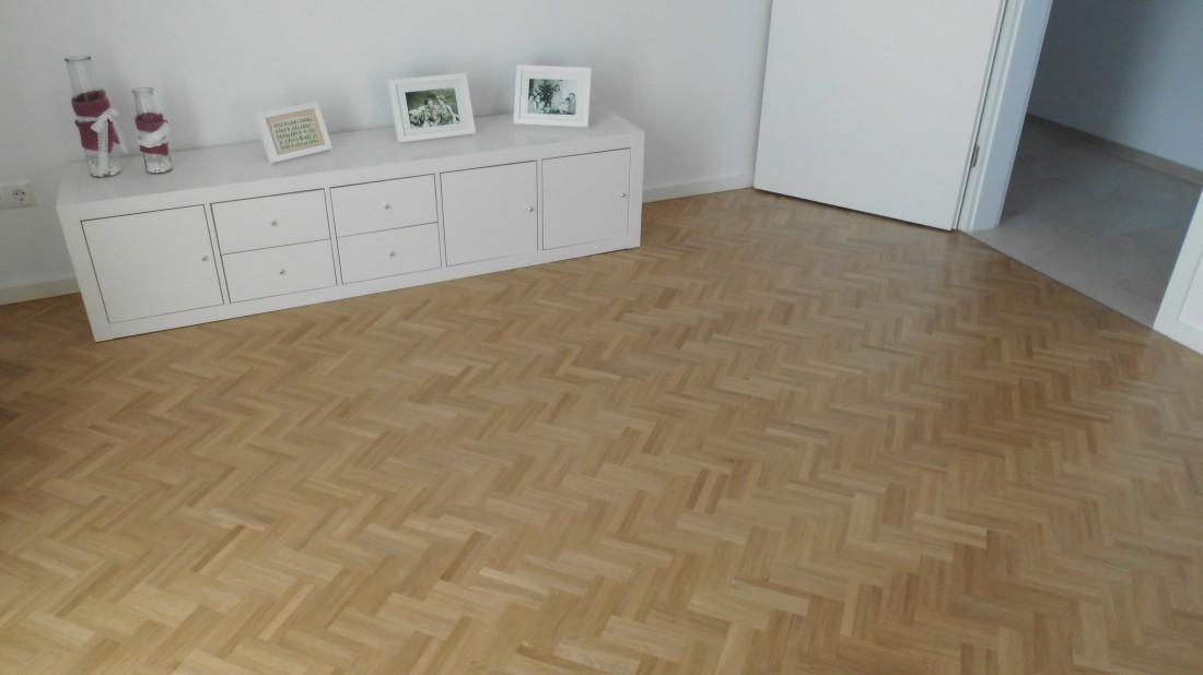 tenhumberg in greven laminat parkett zu g nstigen preisen mosaikparkett eiche natur. Black Bedroom Furniture Sets. Home Design Ideas