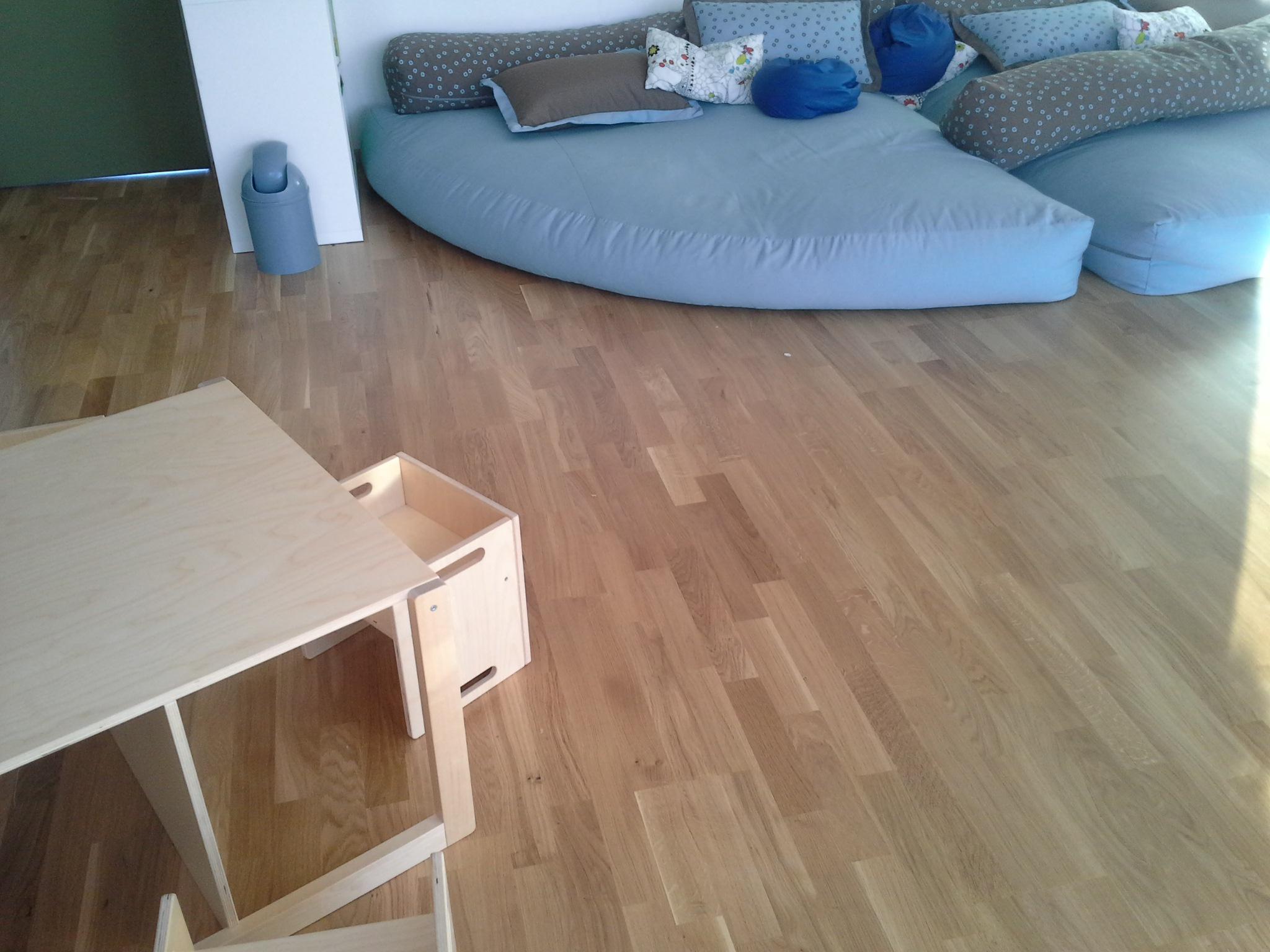 tenhumberg in greven laminat parkett zu g nstigen preisen fertigparkett eiche schiffsboden. Black Bedroom Furniture Sets. Home Design Ideas